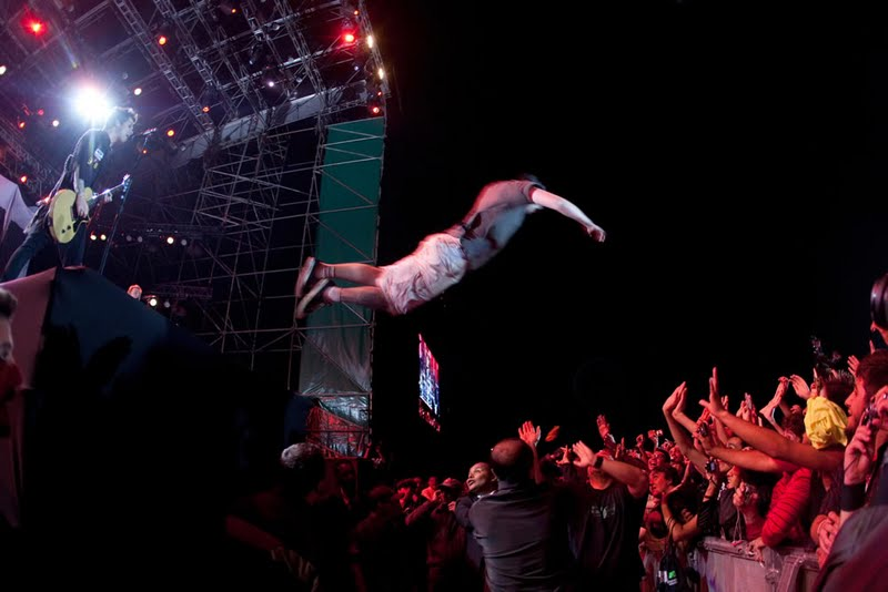 stage dive AHY detik-bola